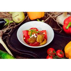 Салат из запеченных баклажанов с томатами