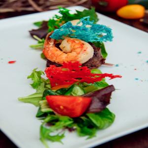 Теплый салат «Говядина с креветкой»