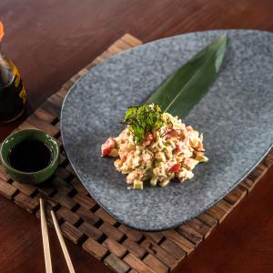 Японский салат Калифорния с крабом